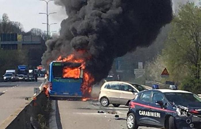 Terrore bus: condanna senza termini, no ambiguità